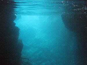 沖縄(青の洞窟2)